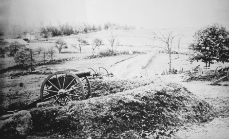 Barlows_Knoll_after_first_day's_battle,_Gettysburg,_July_1,_1863