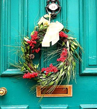Christmas_Wreath_-_geograph.org.uk_-_639554